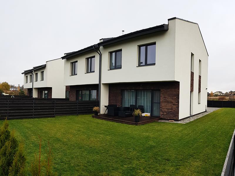 Modernus Dvibuciai Namai Vilniuje Kotedzai Dvislaitis Stogas Terasos Po Stogu Konsole 02